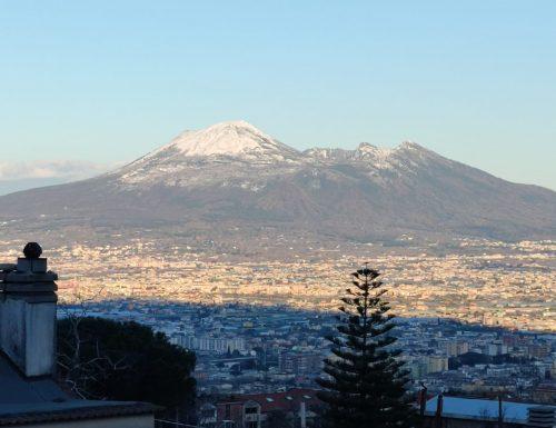 Vesuvio innevato, in cima fino a 10cm di neve